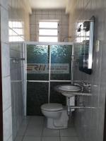 Roque Macatrão: Banheiro Social