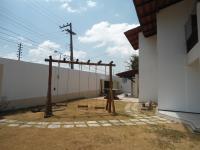 Roque Macatrão: Área externa II